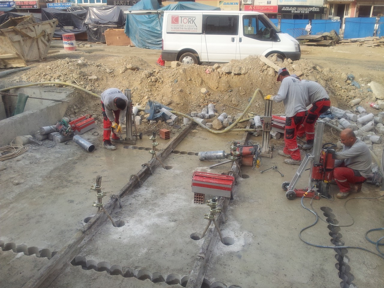 Karot makinesi ile betonarmede açılım yapılması