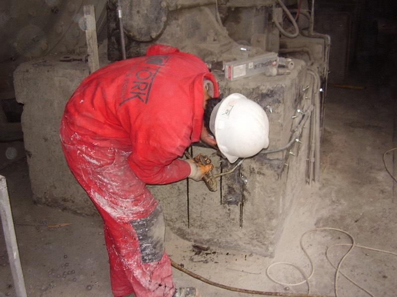 Epoksi enjeksiyon ile makine temeli çatlak onarımı