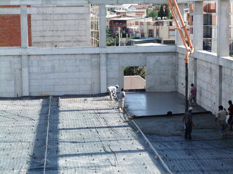 Kapalı spor salonu zemin betonu uygulaması