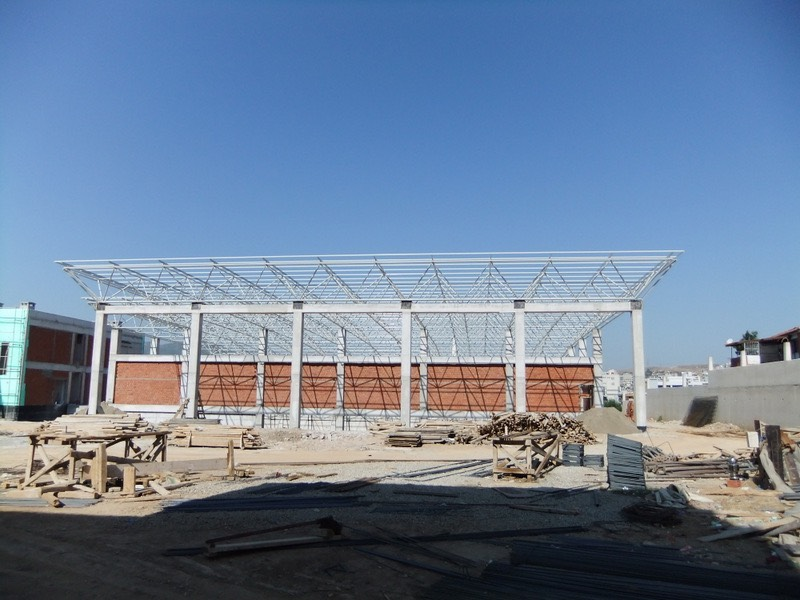 Kapalı spor salonu inşaatı