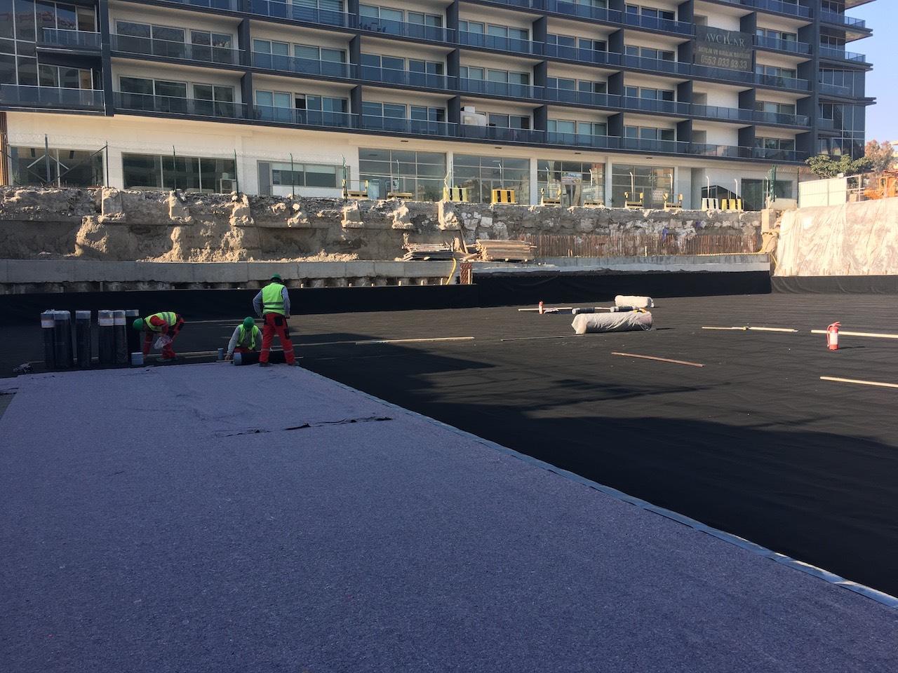 Temel altı betona yapışan membran ile su izolasyonu