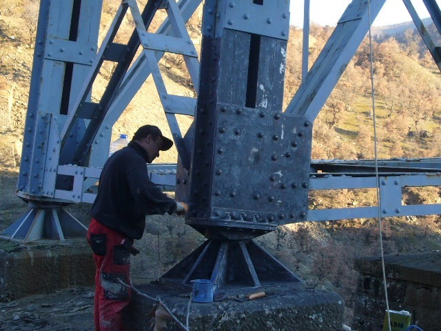 Çelik köprü ayağı onarımı