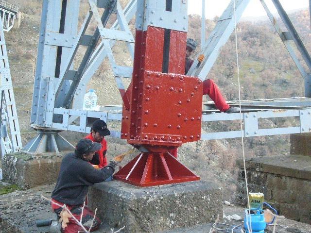Çelik köprü ayağı epoksi boya uygulaması